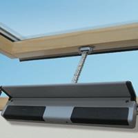 Finest motore per apertura finestra with costo lucernario - Prezzi velux finestre per tetti ...