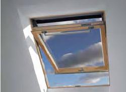 Lista di lucernari e finestre per mansarde claus for Finestra vasistas